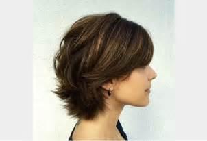 coiffure courte cheveux coupe de cheveux en couches pour