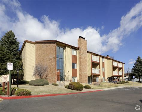appartments in colorado springs candlewood apartment homes rentals colorado springs co
