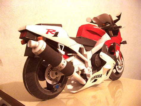Yamaha Paper Craft - yamaha r1 papercraft by ronaldoishihara on deviantart