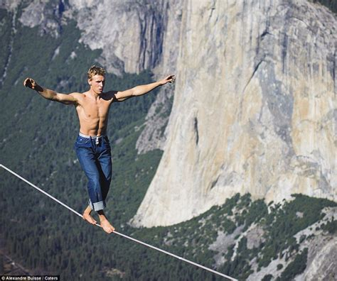 Walk The Tights Rope by Daredevil Performs Nerve Shredding Tightrope Walk 3 000ft