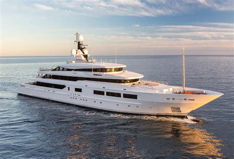 luxury boats luxury yachts superyachts mega yacht brokers