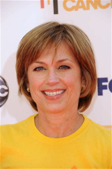 Dorothy Hamill Haircut   Photos, Styling Tips & More!
