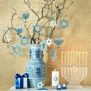 chanukah decorations 17 best ideas about hanukkah decorations on