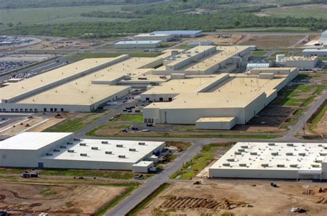 Toyota Plant San Antonio Toyota Expanding To Six Day Production Hiring 200 San