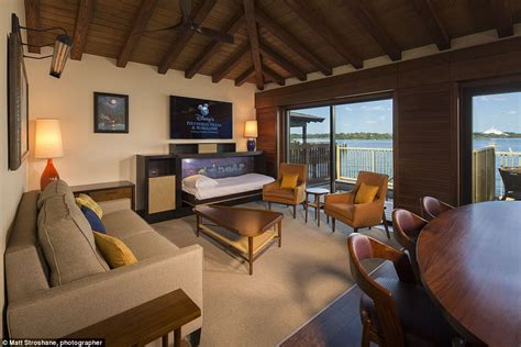 disney bungalows disney reveals luxurious overwater bungalows for 163 1 400