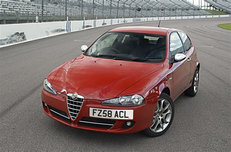 alfa romeo hatchback alfa romeo 147 hatchback 2001 2009 features equipment