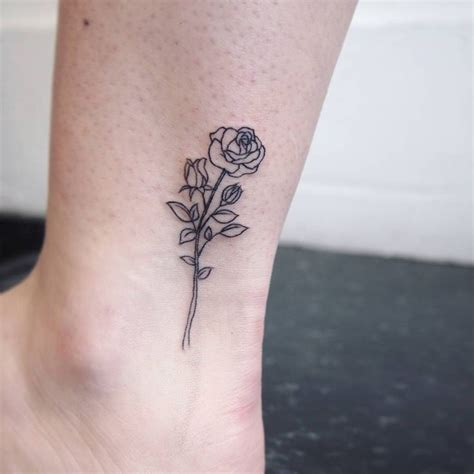 pinterest small tattoo 25 best ideas about small flower tattoos on