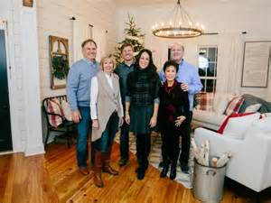 chip and joanna gaines tour schedule a chip and joanna holiday photo album hgtv s fixer upper