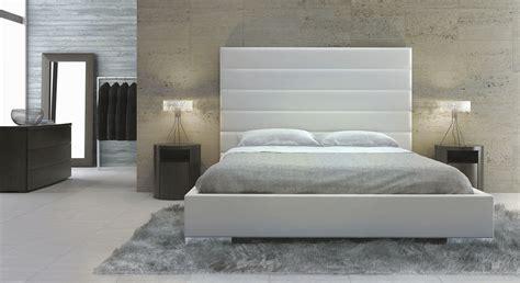 white wood size headboard center design