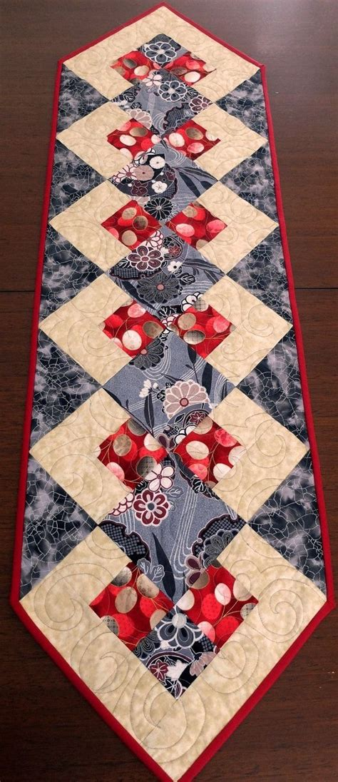 Patchwork Sler - 25 best ideas about quilted table runners on