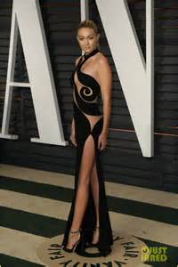 Gigi Hadid Vanity Fair Oscar Gigi Hadid Shows Tons Of Skin For Second Oscars Dress