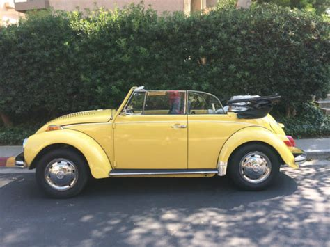 yellow volkswagen convertible volkswagen beetle convertible 1972 yellow black