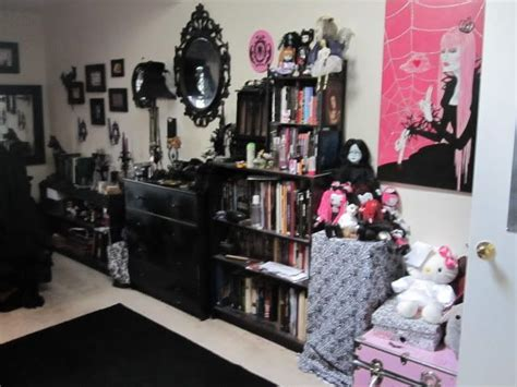 punk rock bathroom decor a goth s bedroom home pinterest light walls pastel