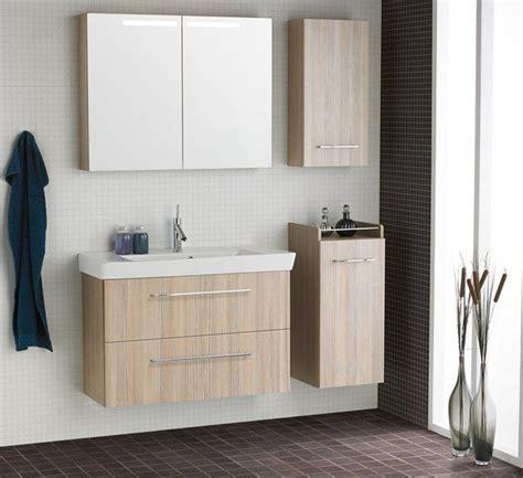 badezimmer spiegelschrank geringe tiefe die besten 25 schmales badezimmer ideen auf