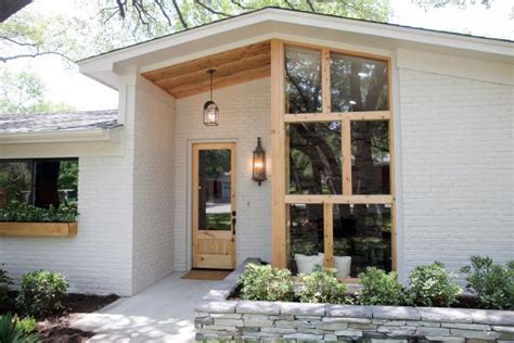 Fixer Upper: Midcentury Ranch Gets a New Look With a