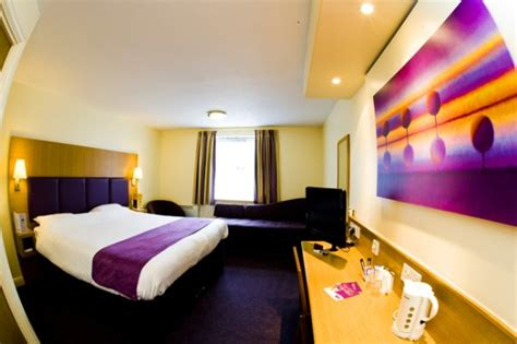 premier inn day room bed and breakfast caerphilly premier inn caerphilly