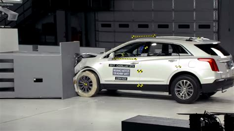 Auto Test by Iihs Crash Tests Cadillac Xt5 Rates It Top Safety