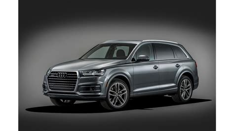 Audi Q 7 Interior It S A Champagne Celebration For The 2017 Audi Q7 And 2017