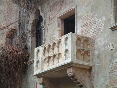 terrazzo romeo e giulietta file verona terrazzo giulietta romeo jpg wikimedia commons