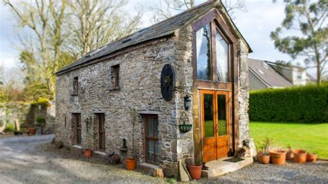 tiny cottage crows hermitage amazing tiny cottage in the