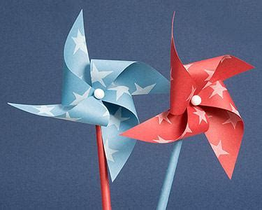 Handmade Windmill With Paper - 17 great summer crafts for spaceships and laser beams