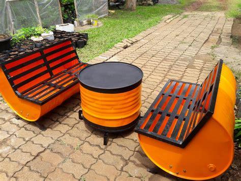 Kursi Bekas Di Manggarai uniknya meja kursi dari drum bekas di stpi berita trans