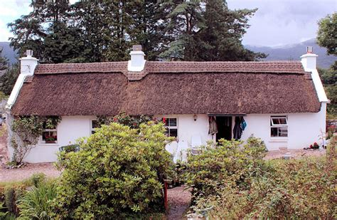 thatched cottages in ireland memories of an thatched cottage breise breise