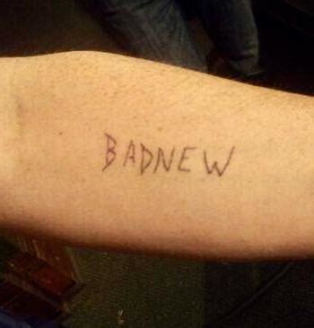 badnew tattoo in always s02e10 tattoos quot badnew quot on his arm