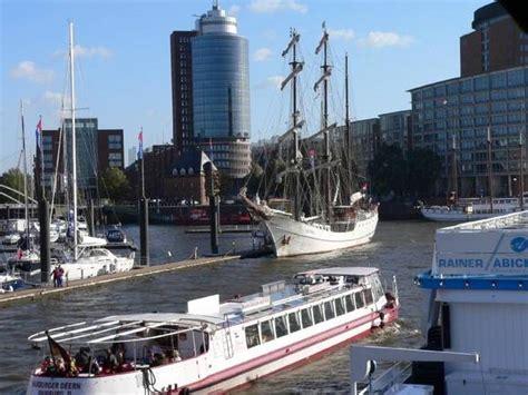 porto amburgo festa al porto di amburgo in viaggio ansa it