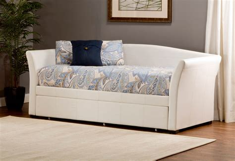 Tm Design Daybed Pris Hillsdale Montgomery Daybed With Trundle White Pu