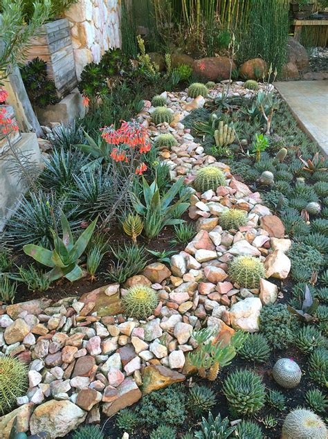 15 delightful succulent gardens that will inspire you page 2 of 2