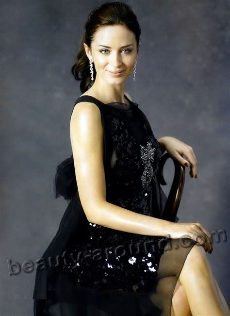 english actress named emily emily blunt biography personal life photos