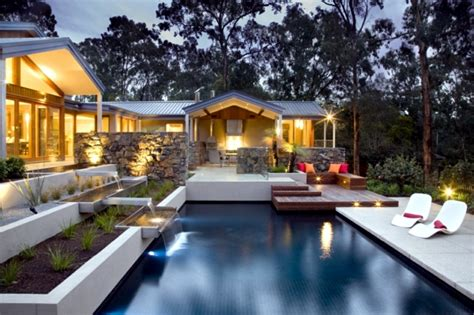 Modern solar garden lighting energy saving and effective