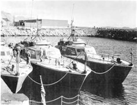 boat crash captains quarters pt boats for sale pt 109 carrying 94 survivors of the