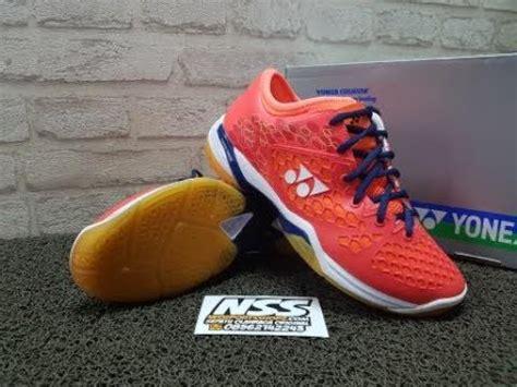 Sepatu Badminton sepatu badminton yonex shb 03 z mex coral