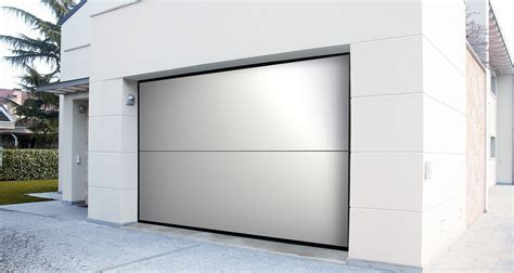portone sezionale garage portoni sezionali overlap porta per garage sezionali