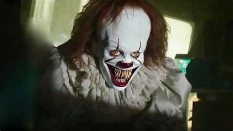 Horor It it 2017 pennywise comes out of the project i it horror