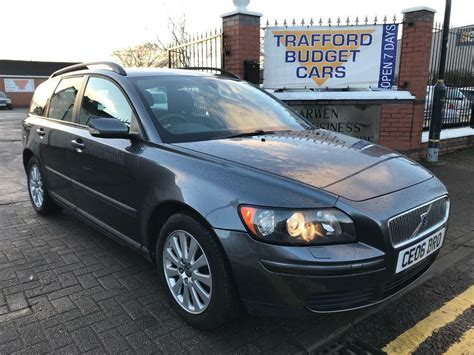 service manual how cars run 2006 volvo v50 windshield wipe control how to replace windshield volvo v50 2006 2 0d fsh 2 keys great family car cheap in trafford manchester gumtree