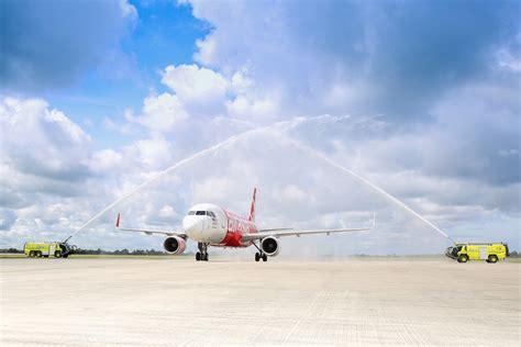 airasia adalah airasia sambut dua penerbangan sulung antarabangsa ke