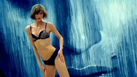 Victoria Secret Model With Short Hair On The Side And The Back But Long Hair On The Top | lingerie model s short hair not sexy cnn video