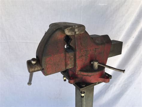 starrett bench vise starrett bench vise 015 5 1 2 inch jaws with steel stand
