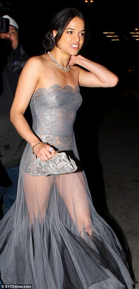 Oscars 2011 michelle rodriguez leaves very little to the imagination