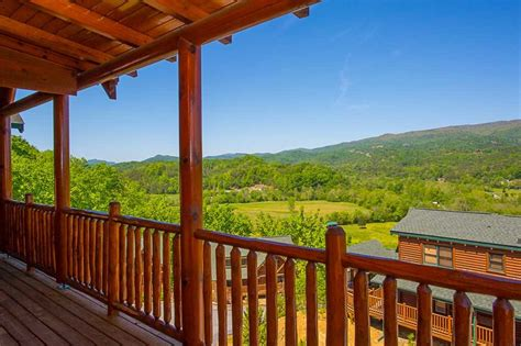 Mysty Mountain Cabin by Mountain Hideaway Cabin In Pigeon Forge W 3 Br