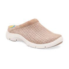comfortable kitchen shoes 1000 images about cool comfortable kitchen shoes on