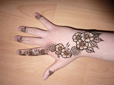 henna design flower 23 latest simple mehndi designs for hands entertainmentmesh