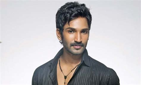 actor aadhi brother i am still single and ready to mingle aadhi