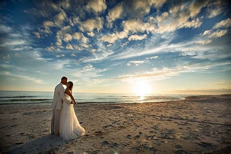 Top 20 Wedding Photographers in Florida