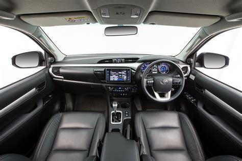 New Toyota Fortuner Petrol Review   Gaadiwaadi.com