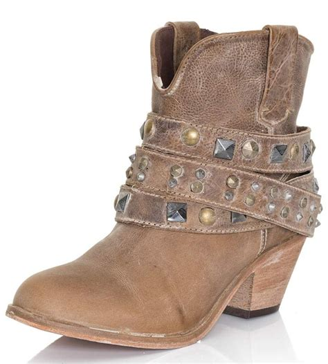cheap womens black cowboy boots best 25 ankle cowboy boots ideas on rodeo