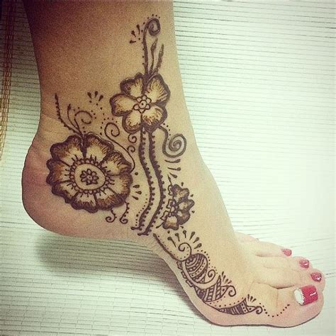 henna tattoo designs for your side 18 outstanding leg mehndi designs mehndi designs hennas